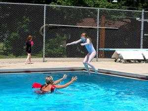 Apprendre à plonger aux enfants