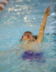 nager sur le dos